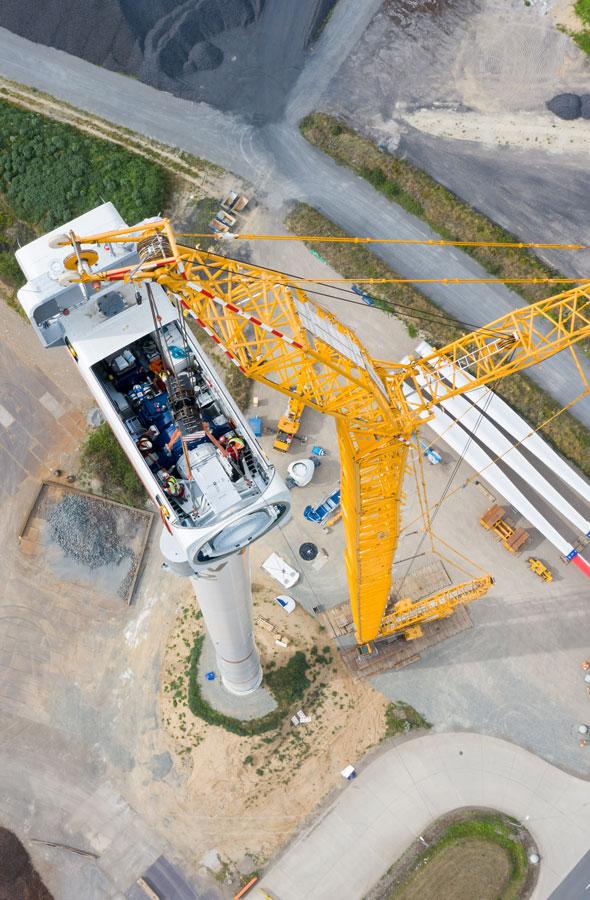 Eine WIndkraftanlage wird im Rahmen des Projektes WindH2 errichtet